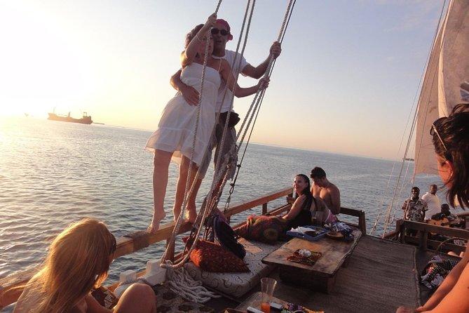 Omani dhow:Coastal and Sunset Cruise