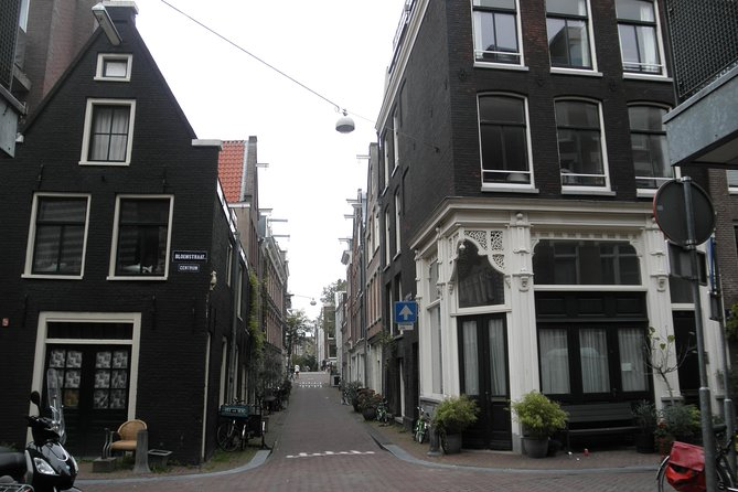 The Amsterdam Story! Private guided walking tour 2 hrs. photo 7