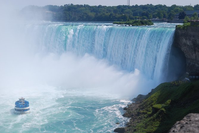 All-Inclusive Niagara Falls USA Tour Maid Of Mist Boat Cave of Wind