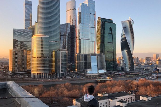 Evening tour with a view of the amazing sunset Moscow river
