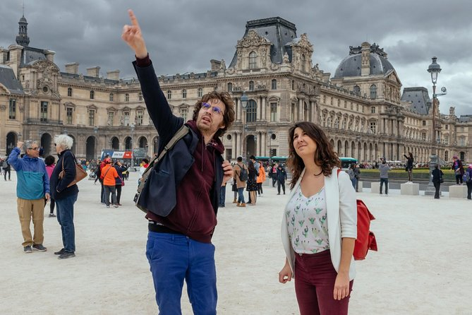 Private Magic of the Louvre with a Local: 2.5 Hours Skip the Line Tour