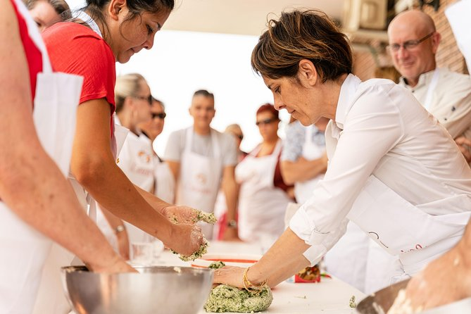 Share your Pasta Love: Small group Pasta and Tiramisu class in Pisa