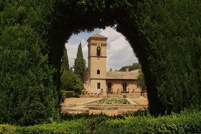 Group tour: the Alhambra of Granada