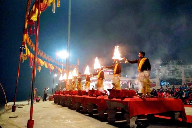 Temples Tour with Markets and Evening Aarti