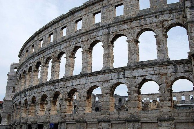 Colosseum very fast entrance with dedicated time photo 3