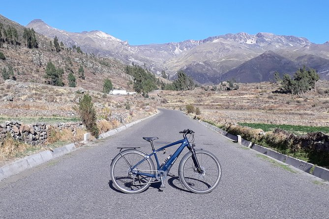 Arequipa: Active Sightseeing E-Bike Tour photo 1