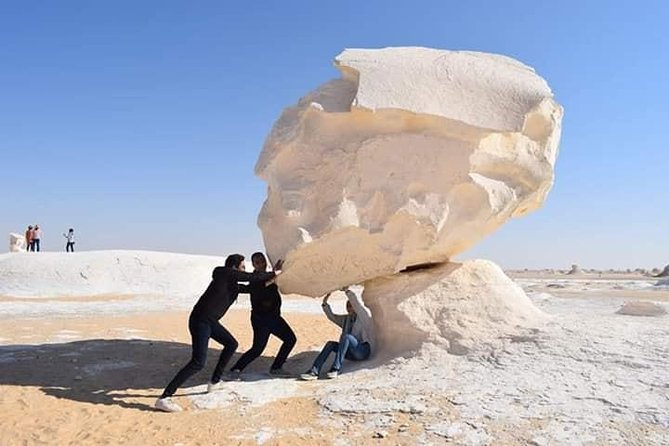 2 Days to White Desert and Bahariya Oasis Tour