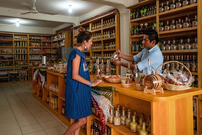Local Experience Shopping and Sightseeing Tour