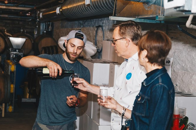 Cincinnati Wine and Dessert Tour With Tastings