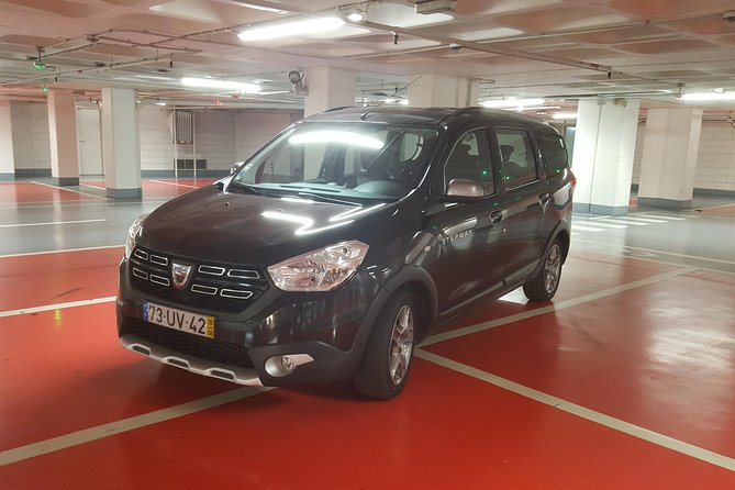 Private Airport Transfer to Lisbon