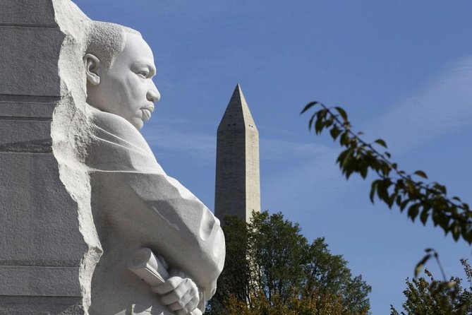 Washington Monument Reserved Admission with DC Landmarks and Memorials Tour