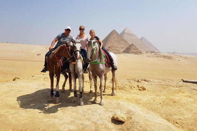 Day tour with Guide to Giza Pyramids, Sakkara, Dahshur and Memphis