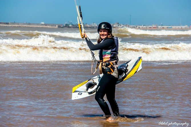 Kitesurfing lessons with Ananas