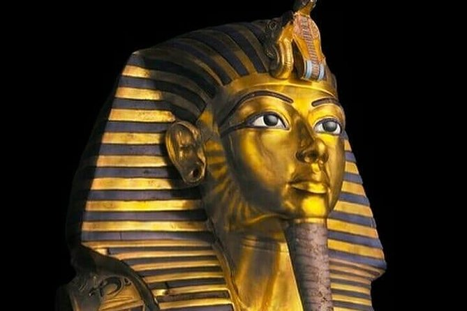 Private day tour to the pyramids and the Egyptian museum