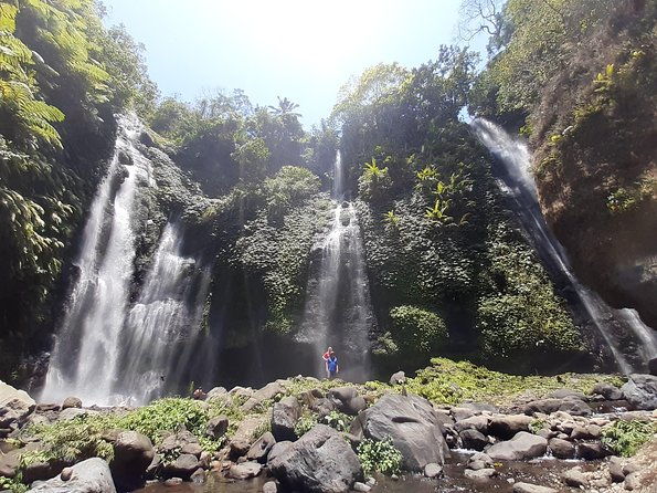 Fiji and sekumpul waterfall trekking