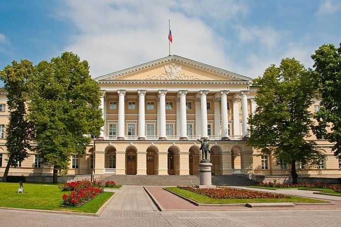 Smolny Institute Private Tour - visit official government of Saint-Petersburg!