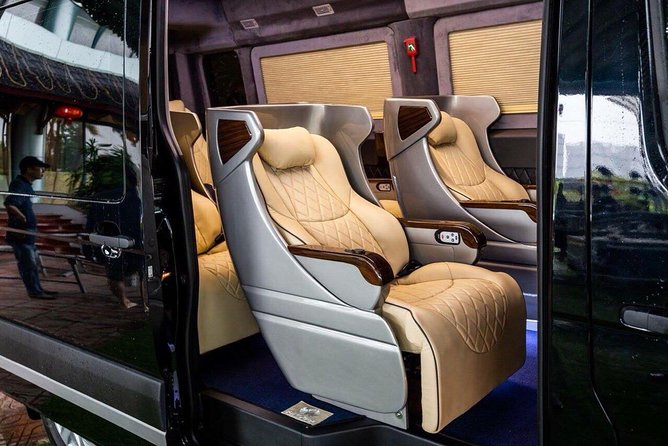 Van Don airport transfer to Halong by luxury private car