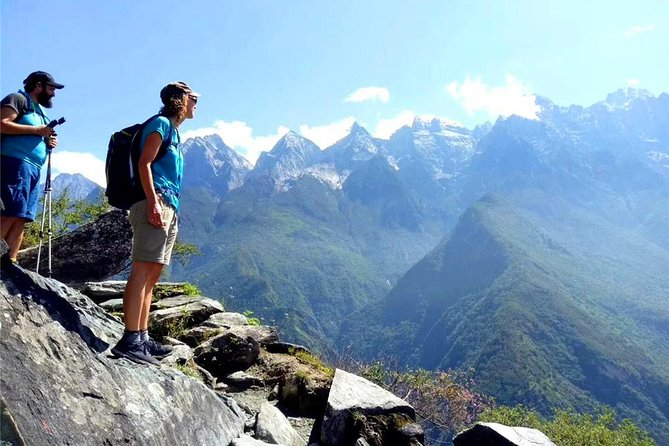 2 Days Tiger Leaping Gorge Hiking Group Tour