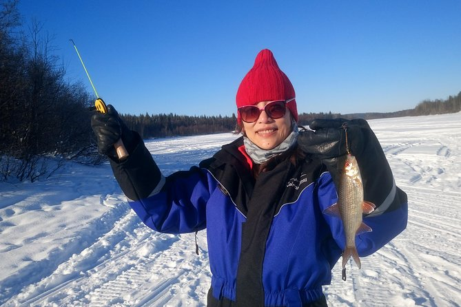 Ice fishing by car with hot beverages at Pyhä-Luosto