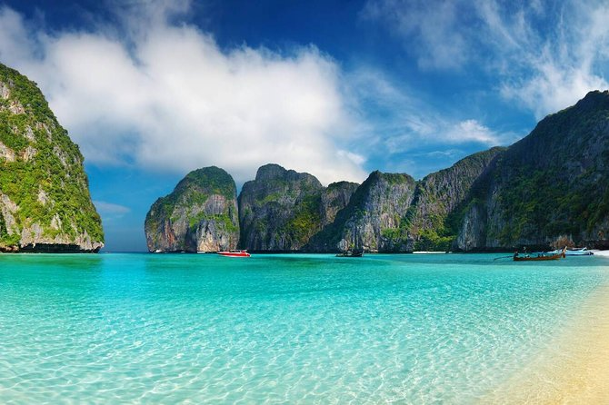 Joint Phi Phi Island Tour by Big Boat (Transfer Normal) with Thai Buffet Set photo 1