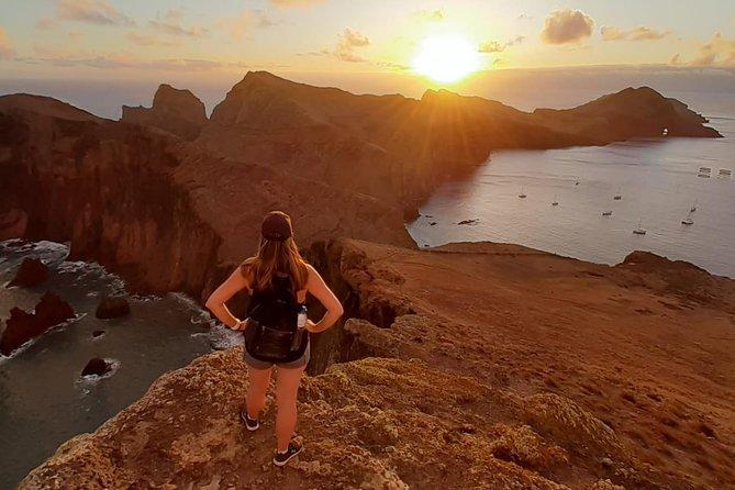 Amanecer Caminata en grupos pequeños en la punta de la isla PR8 Ponta De São Lourenço