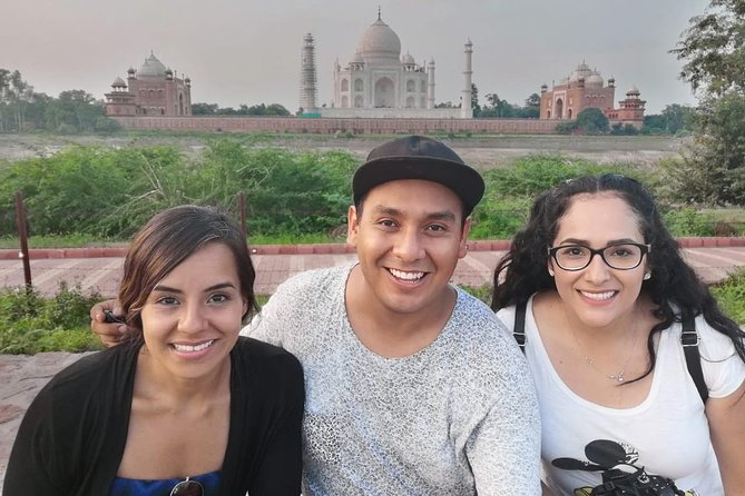 Taj Mahal Same Day Private Tour By Car from Delhi