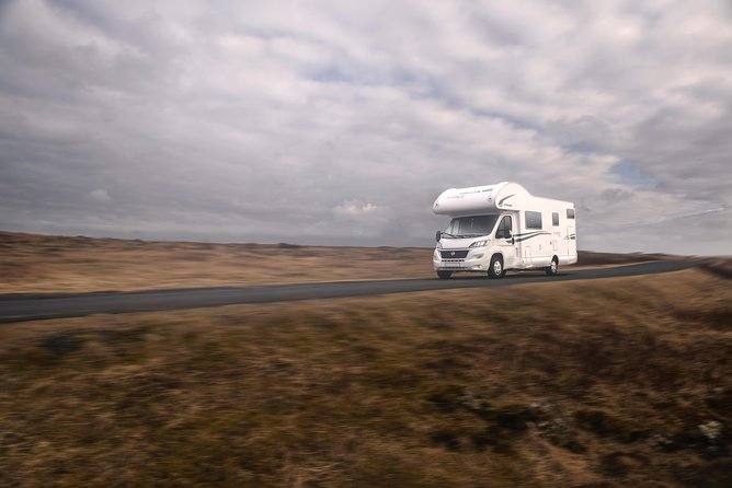 Motorhome for 6 Persons (luxury)