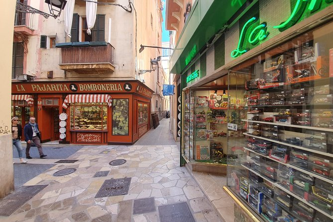 Palma: City Adventure - 3hrs. interactive scavenger hunt including sightseeing and AR