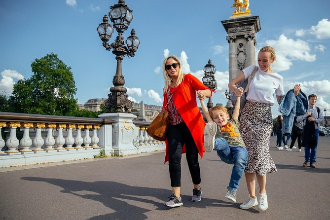 Magical Private Family Adventures in Paris with a Local