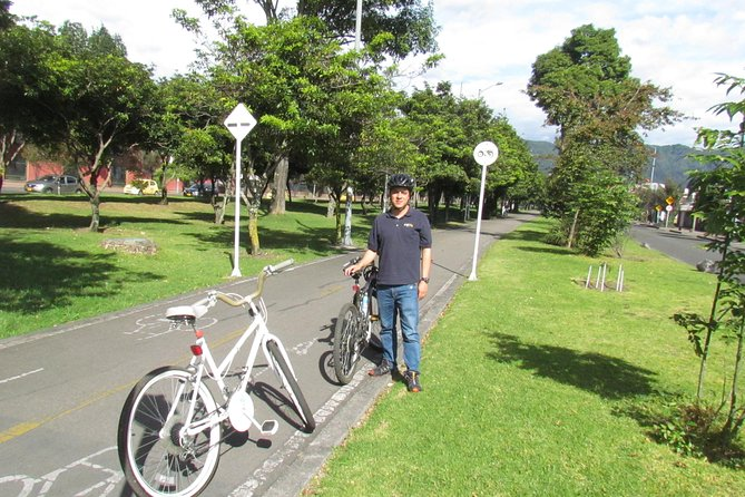Cycling tour in Simon Bolivar Park and Virgilio Barco Library photo 9