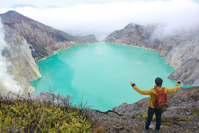 Ijen midnight tour with sharing car