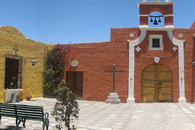 Afternoon: Arequipa Panoramic bus with entrances photo 8