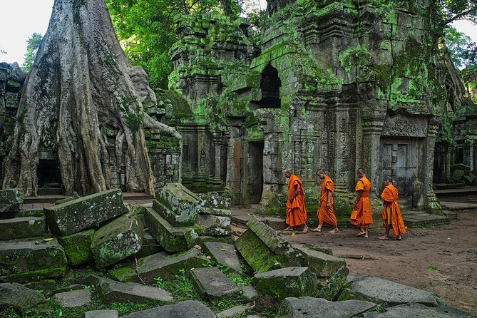 Private Angkor Temple, Banteay Srei and Tonle River 3 Days