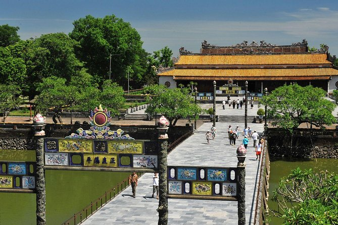 Hoi An to Hue day trip by private car
