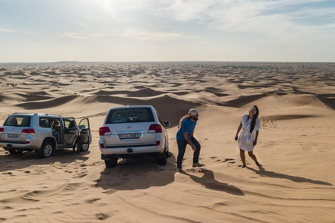 Premium Red Dune Safari with Camel Ride & BBQ Dinner in Bedouin Camp