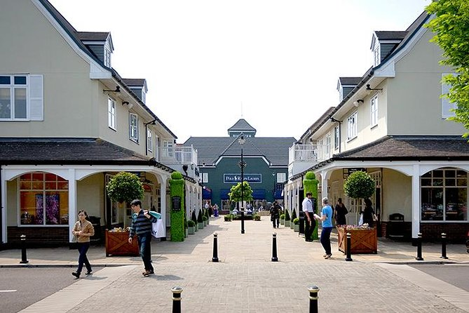 Bicester Village Private Vehicle Round Trip Service from London