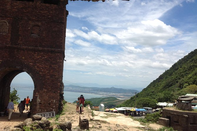 Hue to Hoi An by car via Hai Van Pass, Marble Mountains, Lang Co beach, Lap An