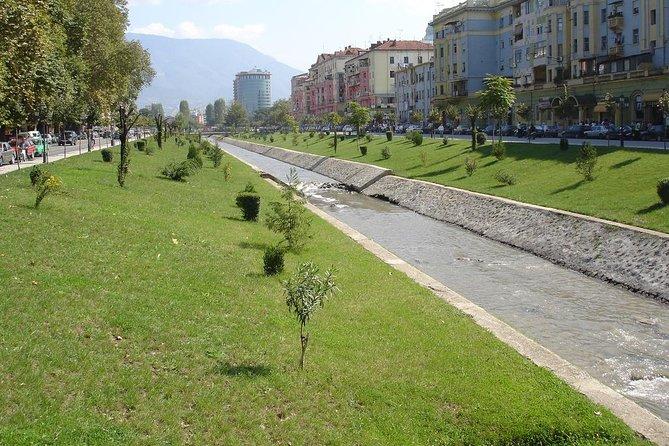 Tirana - panoramic walking tour.