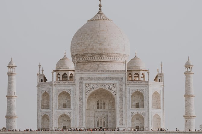 Am selben Tag Taj Mahal und Agra Fort Tagestour von Delhi