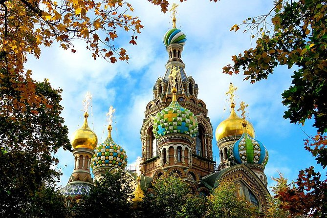Sightseeing city tour by car with the Russian tinctures degustation