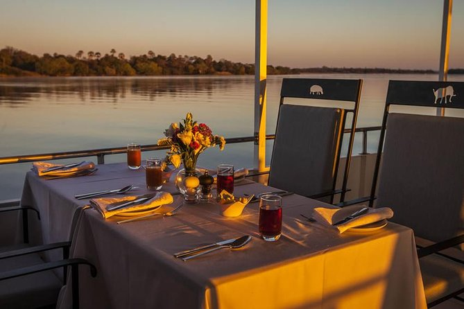 Cairo Nile Dinner Cruise and Show _Memphis cruise