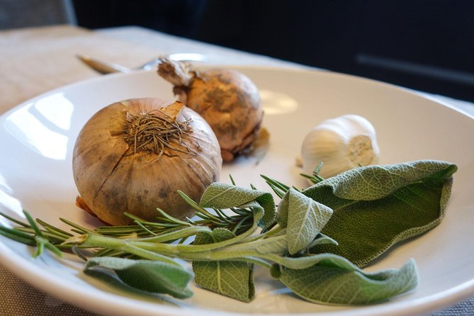 Private Vegetarian or Vegan Tuscan Cooking Class with Antonella in Florence