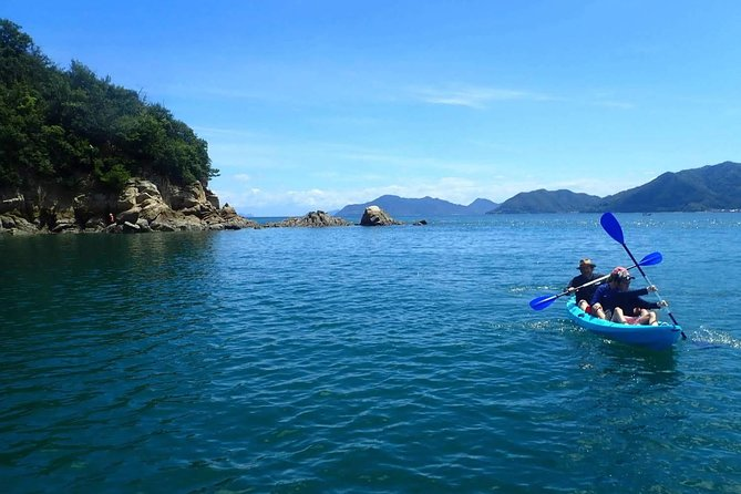 Uninhabited island adventure tour by kayak