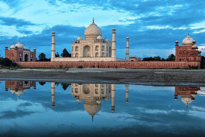 Mumbai - Agra - Mumbai Tour