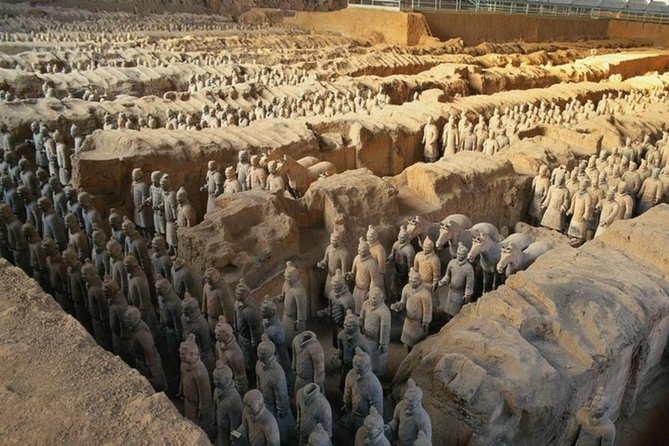 2-Day Private Tour from Nanjing by Air and Train:Highlights of Xi'an and Beijing