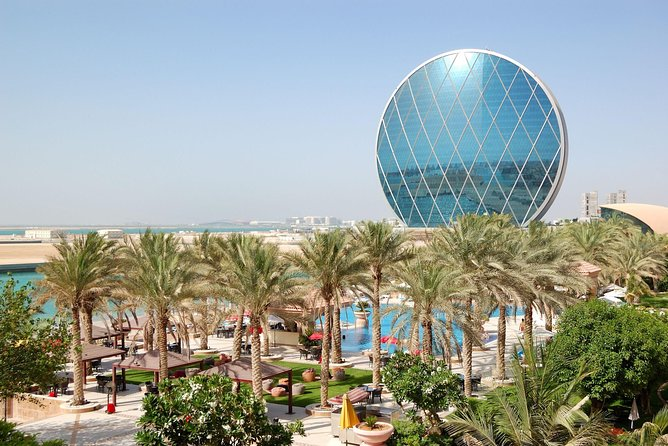 Abu Dhabi City Tour & Warner Bro Theme Park on Sharing Transfer