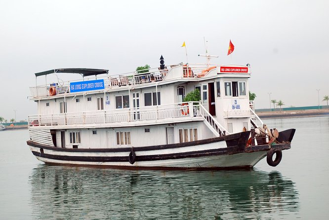 Halong bay cruise 2 days 1 night (Explorer halong cruise with 7 cabin )
