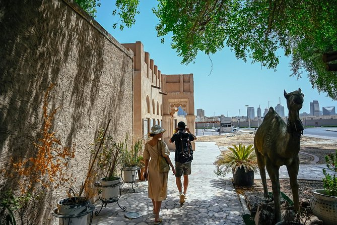 Private Dubai's Historical Neighborhoods Tour with a Local