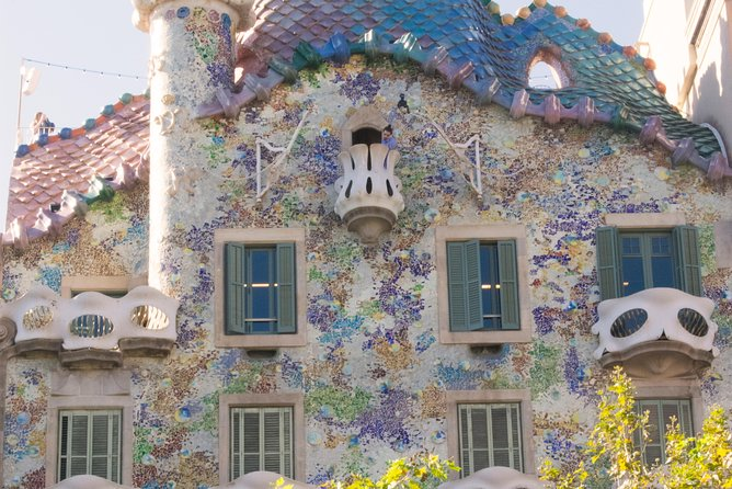 Gaudi, Modernisme And Spanish Wine