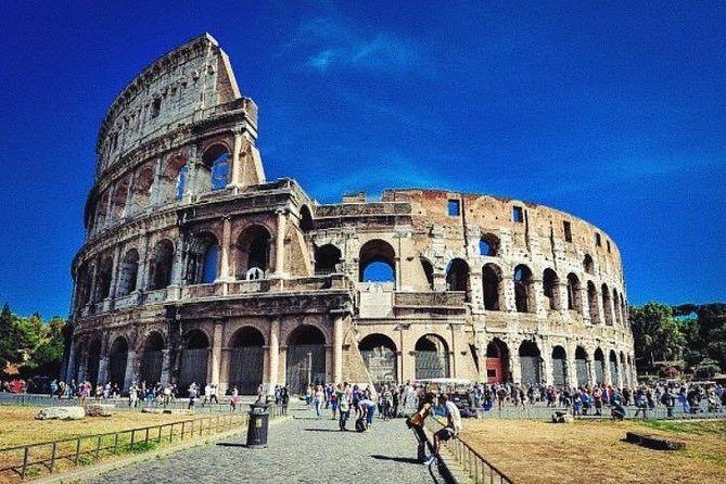 Colosseum private tour fast track photo 4